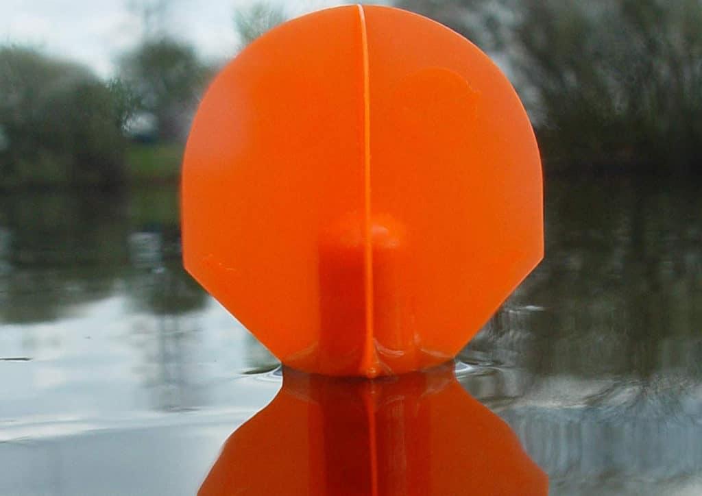 Eine Lotpose ist des Karpfenanglers Werkzeug.