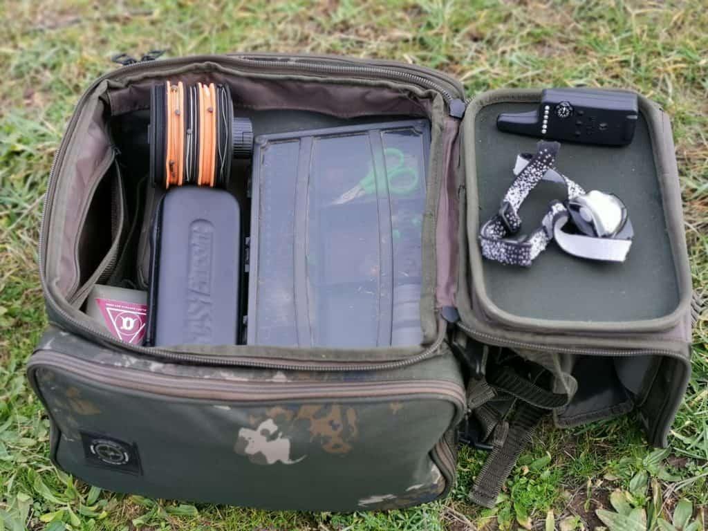 Der Scope Recon Rucksack bietet genügen Platz für alles was du zum Angeln brauchst.
